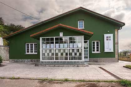 Centro de interpretación y recepción de visitantes de la reserva natural parcial de villaviciosa (asturias)