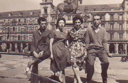 'Álbum familiar'. La casa encendida, Madrid