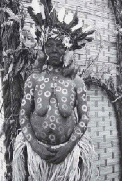 'Mbini. cazadores de imágenes en la guinea colonial', museo Valenciano de etnología, Valencia