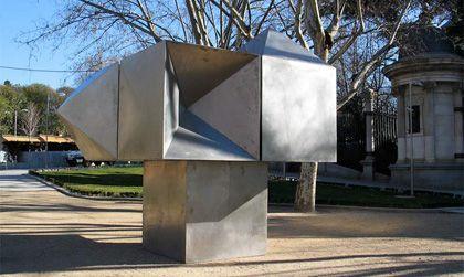 'Gerardo rueda. la escultura monumental del ivam', paseo del prado, Madrid