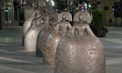 'Arte en la calle: manolo valdés. esculturas monumentales'. paseo de la zurriola, san sebastián