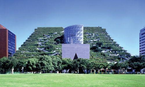 'Hacia otras arquitecturas. 24 proyectos sostenibles', fundación canal, Madrid