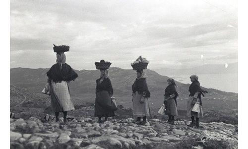 'Ruth matilda anderson. unha mirada de antano', sede fundación caixa galicia ferrol y centro sociocultural caixa galicia Vigo
