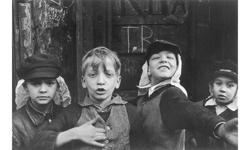 'Helen levitt. lírica urbana. fotografías 1936-1993'. sala amós salvador. Logroño