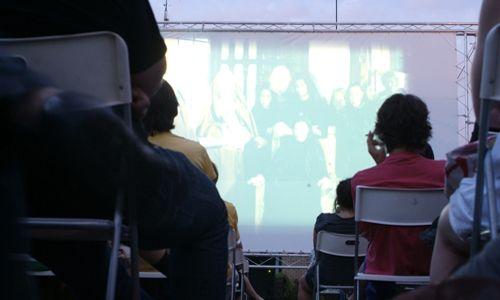 Cine en la terraza. 'Veranoir a la sombra de marlowe', la casa encendida, Madrid