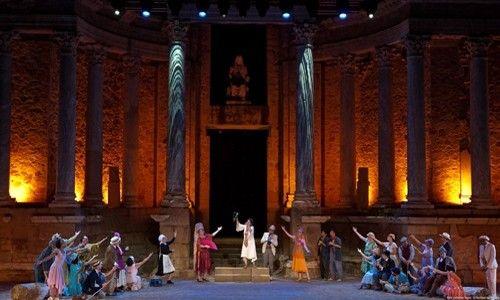 'La asamblea de mujeres'. Teatro compac gran vía, Madrid