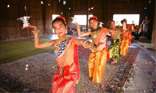'Danzas tradicionales camboyanas'. Caixaforum Madrid