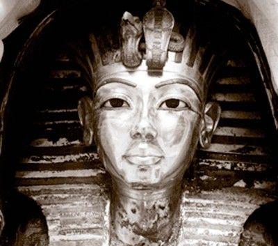 Barcelona acoge a tutankhamón. historia de un descubrimiento