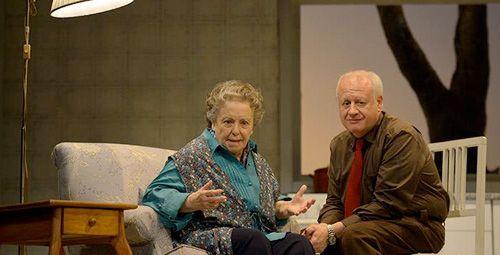 Juan echanove protagoniza 'conversaciones con mamá'