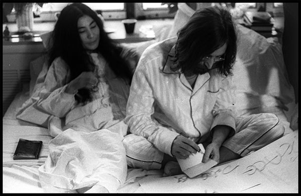 Exposición 'John Lennon & Yoko Ono: Suite 1742' en Málaga