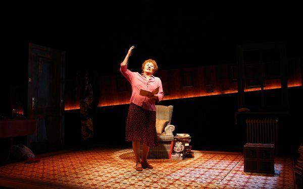 Beatriz Carvajal llega a Madrid con la obra 'A vueltas con la vida'