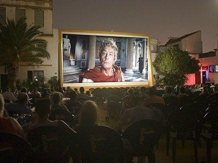 Película y palomitas al aire libre: vuelven los cines de verano