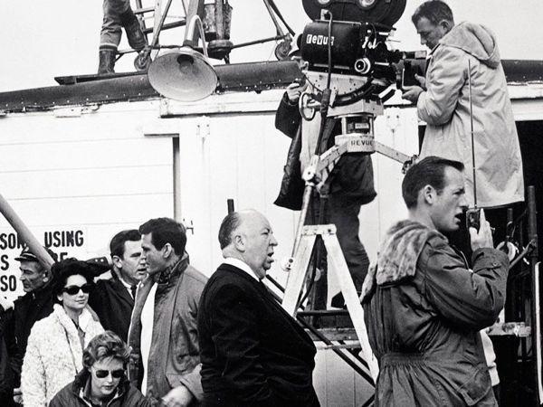 'Hitchcock, más allá del suspense', una exposición sobre el genio del cine