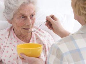 El 'síndrome del cuidador' de un familiar enfermo dependiente