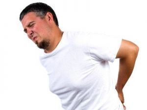 A qué se debe un dolor de espalda constante en la región lumbar