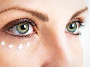La reflexoterapia y sus beneficios: hasta puede eliminar las bolsas de los ojos