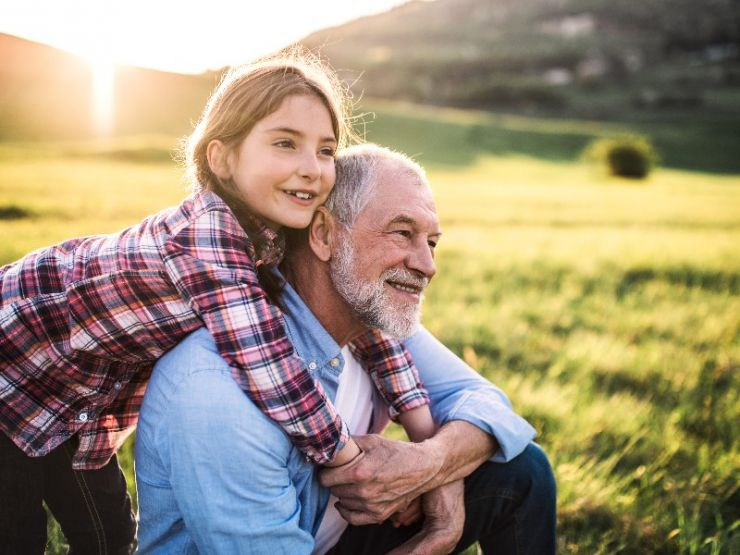 Cuando la pensión de los abuelos es para toda la familia