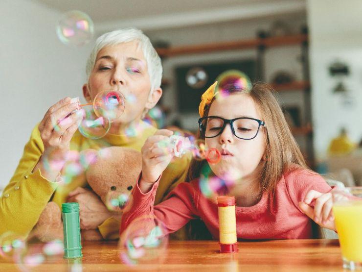Guía de supervivencia para abuelos: actividades para disfrutar con tus nietos