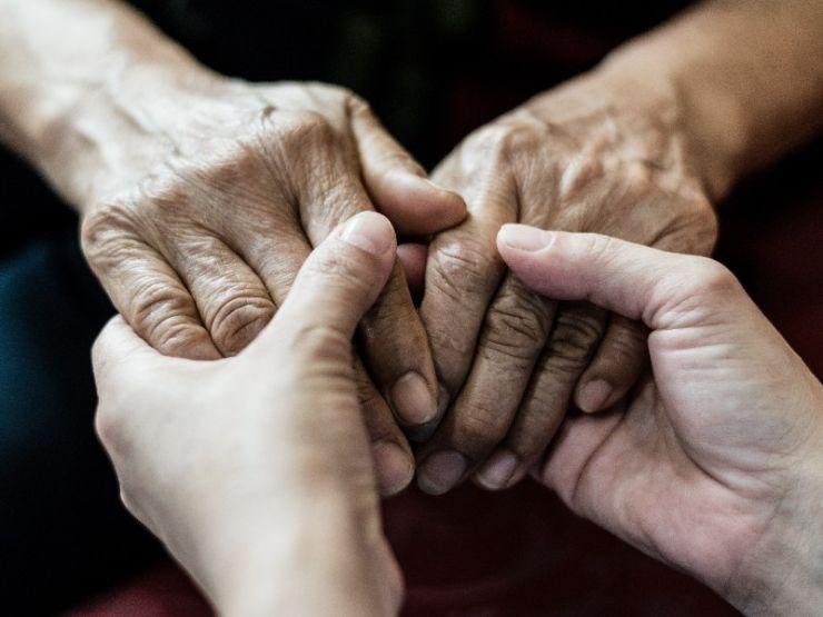 Cómo convivir con una persona con alzhéimer: ¿qué hago si…?