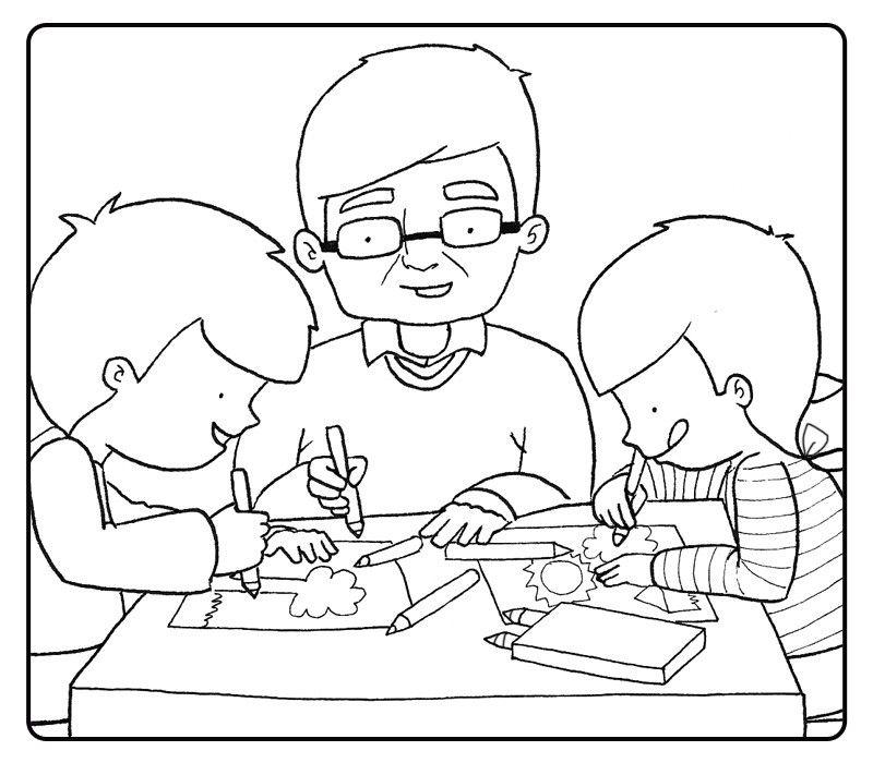 Abuelo coloreando con sus nietos