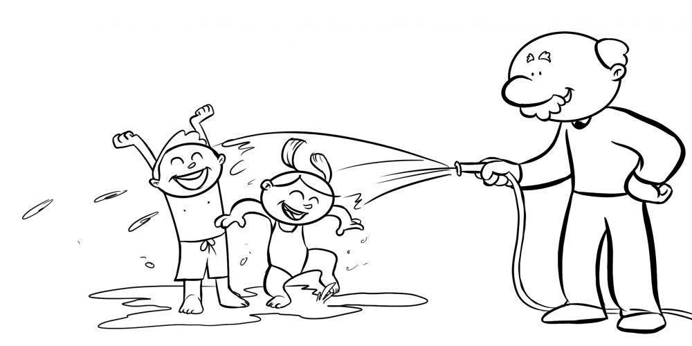 Abuelo mojando a sus nietos con una manguera en el jardín