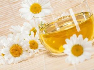 Masaje con aceite de manzanilla, el mejor remedio para el dolor lumbar