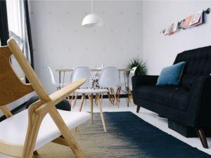 El truco para quitar marcas de muebles en las alfombras