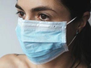 El truco para aumentar la eficacia de las mascarillas quirúrgicas