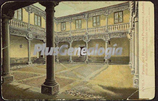 Patio del palacio de polentinos (academia de administración militar) de ávila