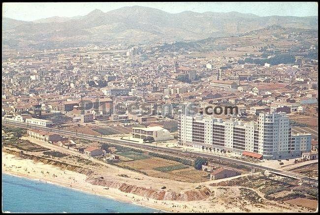 vista a rea de la playa de matar en barcelona fotos