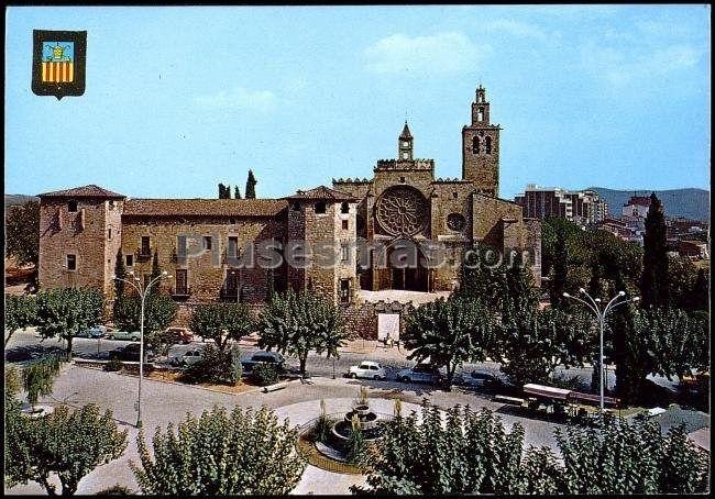Plaza Octaviano Y Monasterio  San Cugat Del Vallés En Barcelona