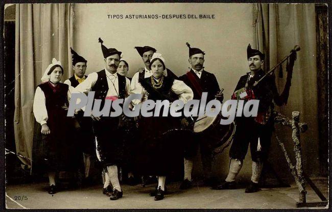 Tipos asturianos despues del baile, oviedo (asturias)