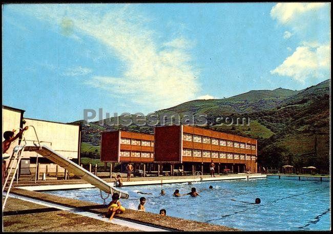 piscinas y polideportivo de pola de lena asturias fotos