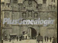 Arco de santa maría y museo provincial del siglo xvi de burgos