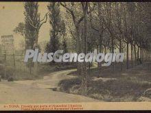 Passeig que porta al Manantial Ullastres en Tona (Barcelona)