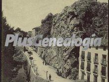 El castillo de alhama de aragón (zaragoza) y carretera de madrid y francia