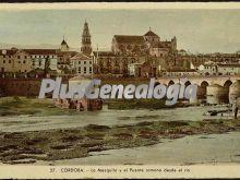 La mezquita de córdoba y el puente romano desde el río