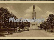 Monumento y calle de bilbao