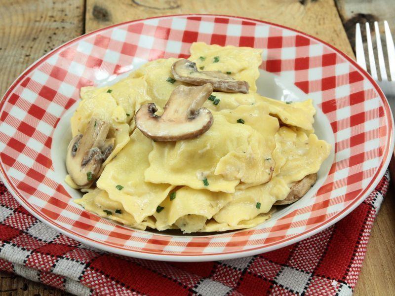 Ravioli con champiñones y queso