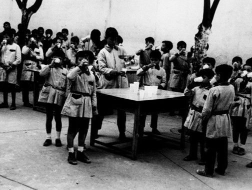 La hora de la leche en el colegio