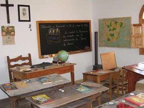 Un aula de los años 60