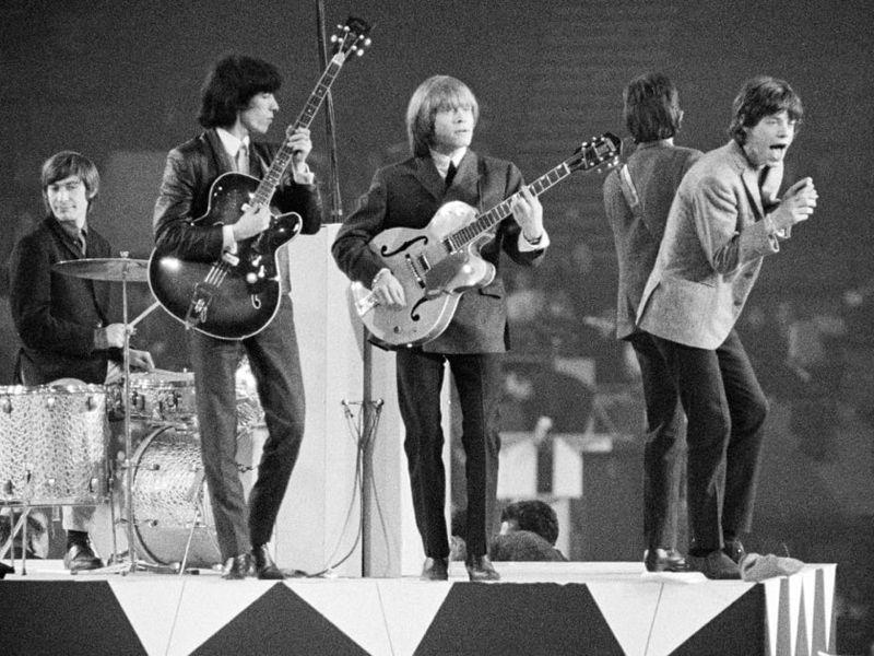 ¿A qué grupo se le llegó a calificar como 'los Rolling Stones españoles'?