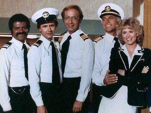 ¿Cómo se llamaba la serie que se desarrollaba en un barco de lujo?