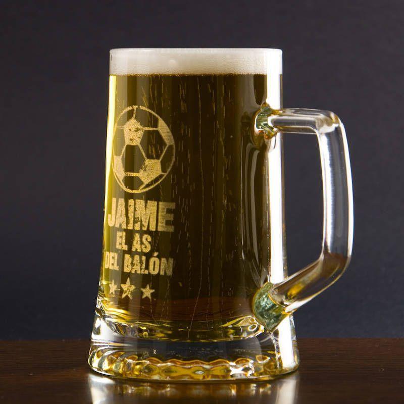 Jarra de cerveza para futboleros personalizada con nombre