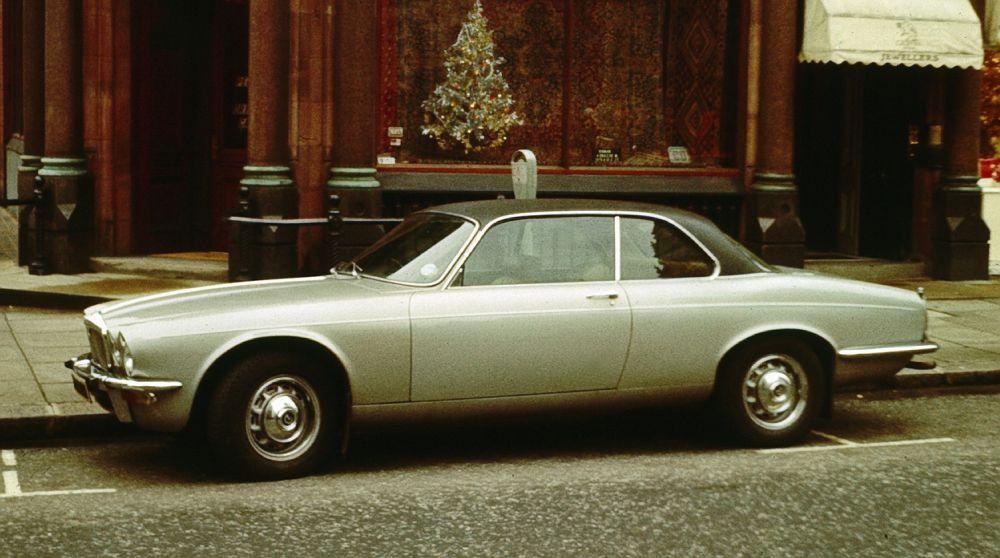 JAGUAR XJ6 (1971)