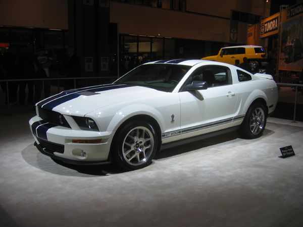 Ford Mustang Shelby COBRA GT 500