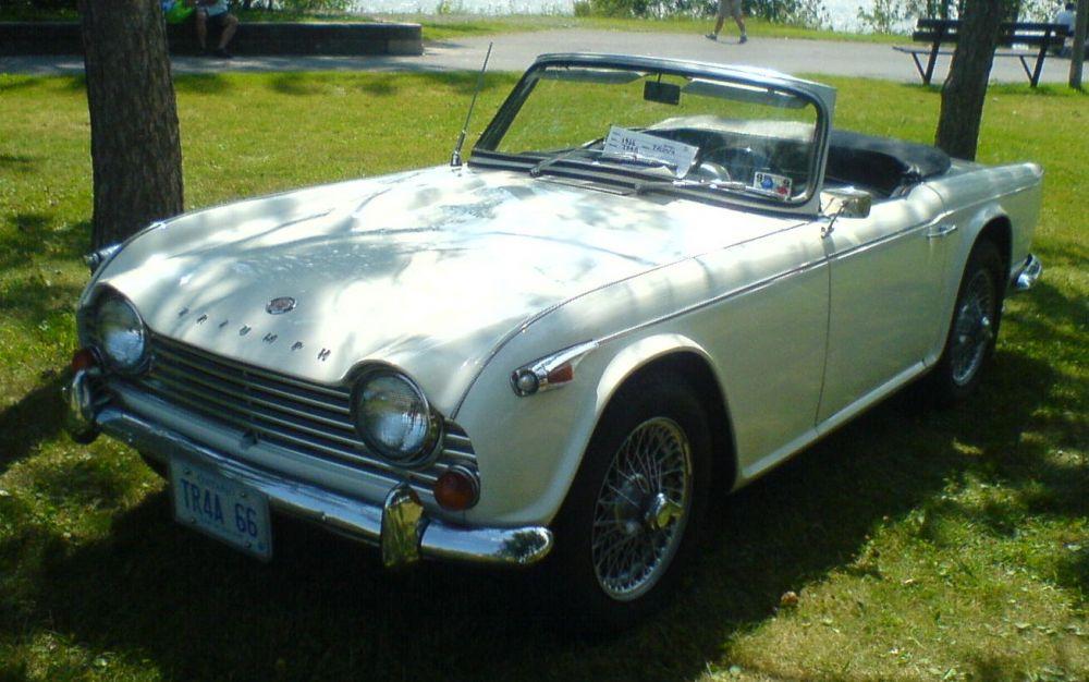 TRIUMPH TR4 (1961-1965)