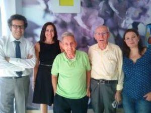Juan Carrión, el profesor de inglés que inspiró 'Vivir es fácil con los ojos cerrados', visita Amma Cartagena