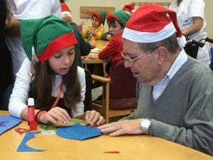 Amavir celebra por primera vez sus campamentos intergeneracionales en Navidad