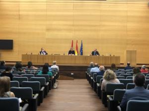 Isabel Blanco presenta los grupos de trabajo para la elaboración de la Ley de Atención Residencial